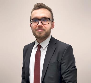 Portraitbild von Rechtsanwalt Brian Härtlein